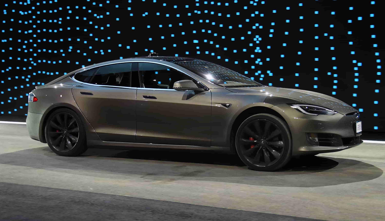 Новая Tesla Model 3